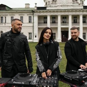 Korolova & Two Are - Live @ Kachanivka Palace, Ukraine (2021-10-08)